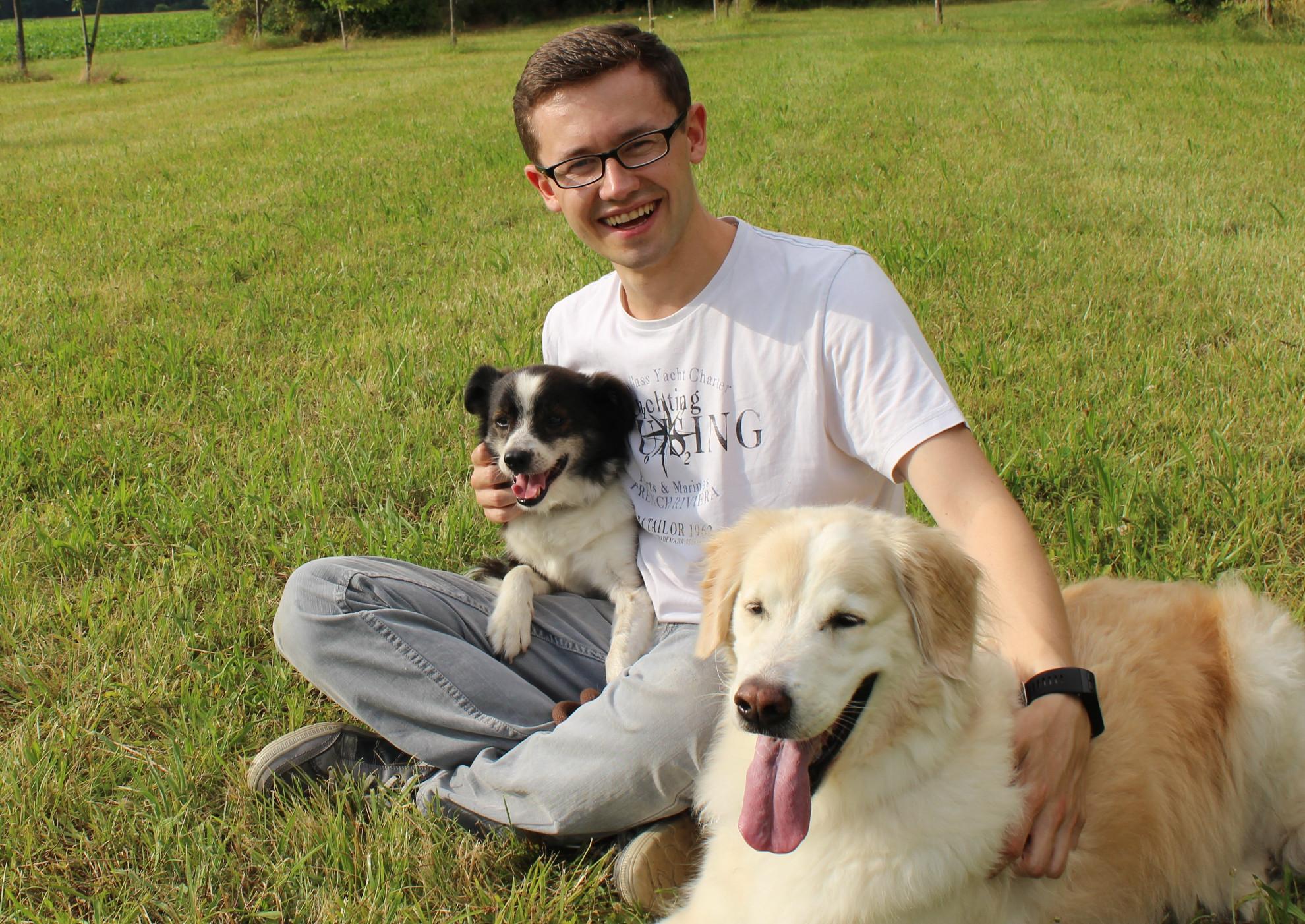 Sven Schmitke mit Loki und Apollo